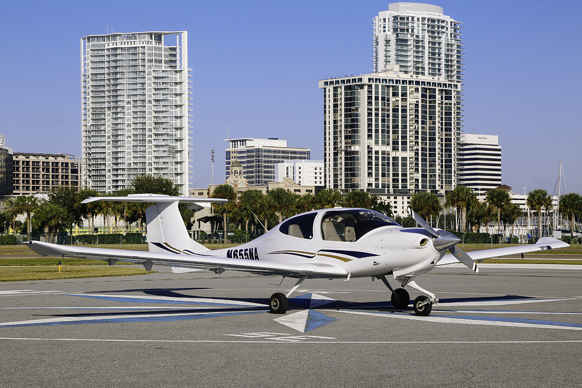 2006 Diamond Star DA40